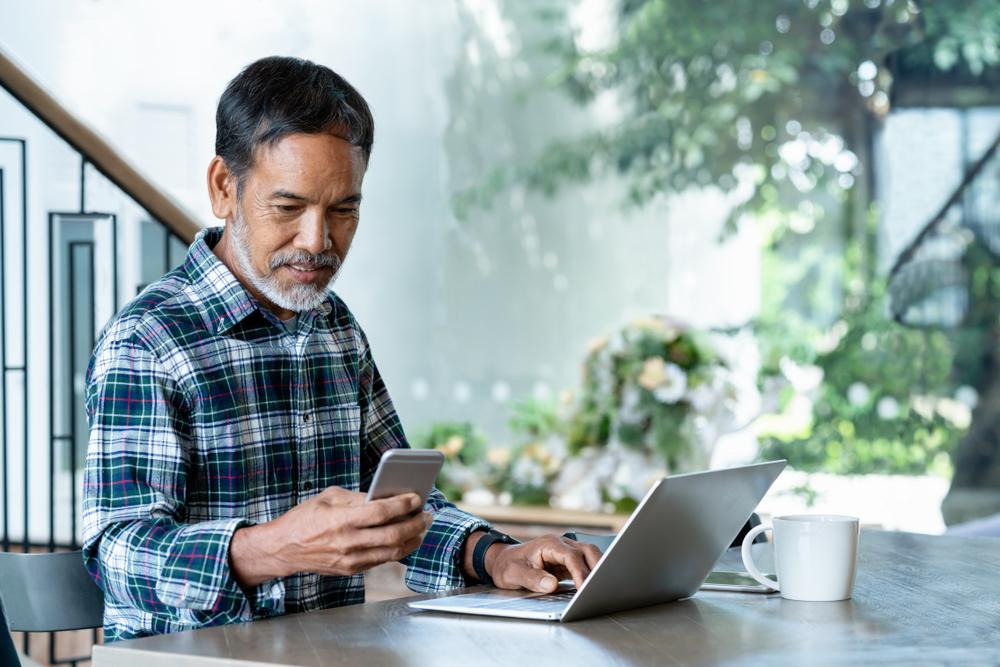 Older-man-on-laptop